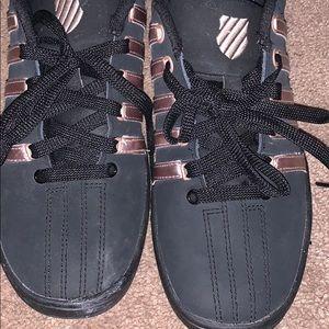 K Swiss ladies tennis shoe